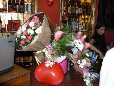 само една от петте кофи цветя :)